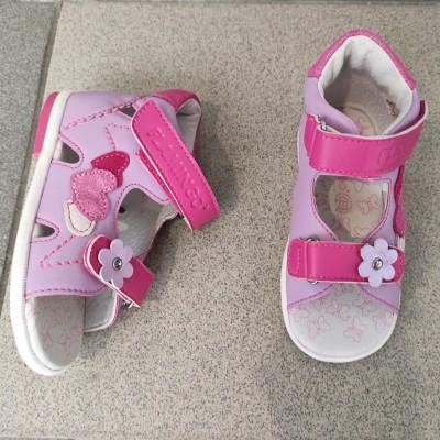 Босоніжки для дівчаток Flamingo, XQ9074
